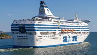 Silja Symphony lägger till i Härnösands hamn lördag den 22 augusti.