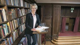 """""""Vi måste alla bidra till att öka livslängden av befintliga antibiotika och då är kunskap det viktigaste medlet"""", säger Apotekarsocietetens VD Karin Meyer. Foto: Bosse Johansson"""