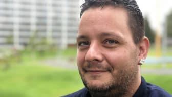 GLIMT I ØYET: Kenneth Korsrud Andersen (36) har opplevd mer enn de fleste. Han ønsker å dele sin historie om et liv preget av rusmisbruk og overdoser.