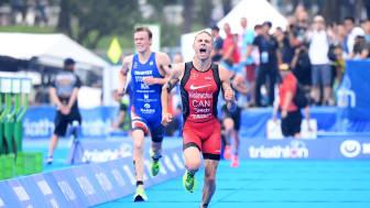 Tyler Mislawchuck hadde en rask sprint og avgjorde mot Casper Stornes på oppløpet. Foto: Delly Carr/ITU