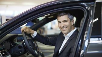 Bavaria, med koncernchef Jacob Tveraabak, har köpt bilföretaget Lundqvist Bil i Norrtälje