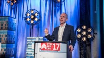 Kommunal- og moderniseringsminister Jan Tore Sanner på Konferanse 2: Digitalt samspill mot 2025 på Bygg Reis Deg, 18. oktober.
