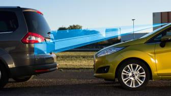 Den nya säkerhetstekniken till Ford Fiesta 'Active City Stop' tar och analyserar 15 bilder på ett ögonblick