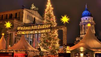 Julmarknaden på Gendarmenmarkt i Berlin. FOTO: visitBerlin/Wolfgang Scholvien
