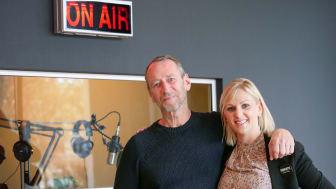 Per Holknekt tillsammans med Charlotte Rehn, Marketing Manager på Clarion Hotel Sign