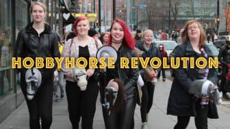 """Finska dokumentären """"Hobbyhorse Revolution"""" öppningsfilm på Nordisk Panorama Filmfestival 2017, 21-26 september i Malmö."""