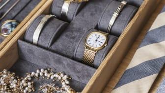 Skuffeindsatser beklædt med alcantara til ure og smykker.