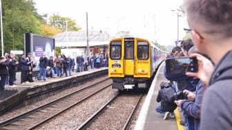Crowds gathered at Hertford North station to see the Class 313. MORE IMAGES AVAILABLE TO DOWNLOAD BELOW