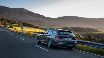 Nu kan den förnybara dieseln HVO100 tankas i BMW Groups bilar