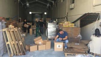 Förberedelser och packninga av förnödenheter.