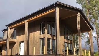 Den välbekanta Dalarnas Villa är Svanenmärkt och föremål för en rad forskningsstudier. Huset är isolerat med lösull och träfiberskivor.