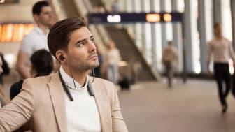 Ungetrübter Musikgenuss: Der neue Nackenbügel-Kopfhörer WI-1000XM2 mit branchenführender Geräuschminimierung