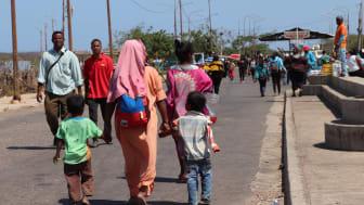 Geflüchtete wie diese Menschen aus Venezuela werden bei den Impfplänen gegen COVID-19 nach Angaben der SOS-Kinderdörfer in zahlreichen Ländern benachteiligt. Foto: SOS-Archiv (Bild nur zur Verwendung im Kontext der SOS-Kinderdörfer weltweit)
