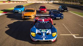 Åtta Ford Performance-modeller tillsammans på en racingbana för första gången.