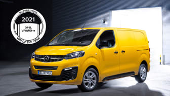 Opel Vivaro-e (på bilden), Citroën ë-Jumpy och Peugeot e-Expert är International Van of the Year 2021.