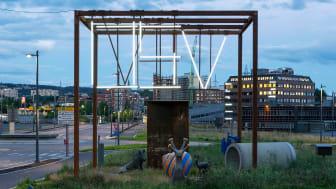Blant nye og rivningsklare kontorer og traséer på Økern finner du OSV. (Oslo samlede verk), som består av en serie med pamfletter og en gradvis utviklende skulpturpaviljong. Foto: Tor Simen Ullstein