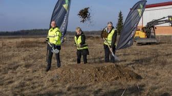 Nu tas första spadtaget i Jönköping Airports utbyggnad.