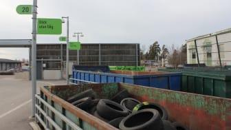 Lämna dina däck till återvinning på återvinningscentralen i Gävle, Sandviken, Skutskär och numera även i Hofors.