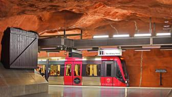 Beslutet om den nya linjen grundar sig i en enorm efterfrågan på snabb lokaltrafik till och från (mest till) nordöstra Råsunda.