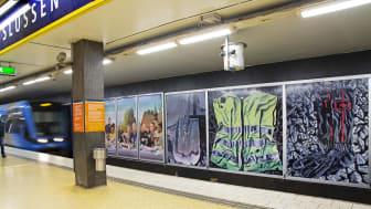 Slussens tunnelbanestation, delar av Roger Smebys utställning Rallarrosorna.