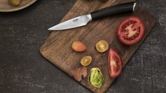 Knives_EGO-Sandvik_Pairing-Knife-W9PK_w_veggies_landscape