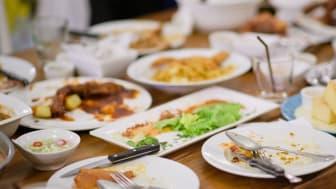 Inspireras av flera goda exempel där man minskat sitt matsvinn med upp till 70%