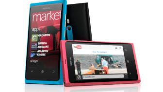 Nokia_Lumia_800_group.jpg