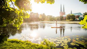 Lübeck: Stand-up paddling auf dem Mühlenteich mit Dom