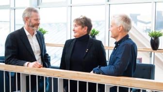 Från vänster Magnus Viström, Innovationschef SCA, Monica Vestberg, affärsrådgivare på BizMaker och projektledare för Forest Business Accelerator och Nicklas Boström, vd för Multi Channel Sweden.