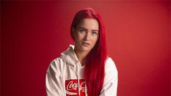 Jokaisella pitäisi olla mahdollisuus olla rohkeasti oma itsensä ja toteuttaa unelmiaan ilman, että joutuu syrjityksi tai kiusatuksi. SANNI valitsi Coca-Cola-yhteistyön hyväntekeväisyyskohteeksi Helsinki Pride -yhteisön.