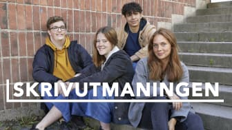 Svea, Julia, Samuel och Jouvani utmanas i skrivande. Foto: UR.