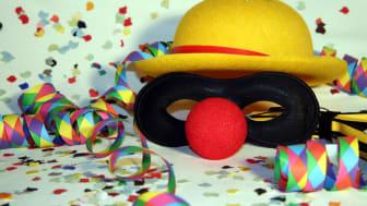Damit die Karnevalsfeier nicht böse endet: Vorsicht mit dem Alkohol! Foto: pixelio.de/Marco Barnebeck