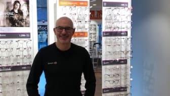 Jonas Modigliani, butikschef på Synoptik i Gävle.