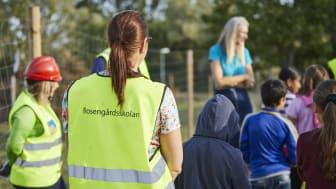 Barn från Rosengårdsskolan på besök på projektet BoKlok Botildenborg, Västra Kattarp, Malmö.