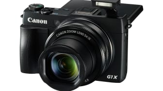 PowerShot G1 X Mark II FSL FLASH UP LCD UP 2