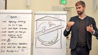 """Daniel Berger, studentischer Gesundheitsbotschafter an der TH Wildau, vermittelte Erfahrungen aus dem Projekt """"Hochschule in Hochform"""". © TH Wildau"""