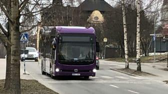 Den första elbussen har anlänt till Piteå.   Foto: Rebecca Granström