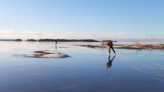 Med rätt förberedelser kan utflykten på isen vara en fin upplevelse. Foto: Mimmi Mikic