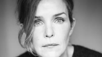 Rebecka Törnqvist har en röst som placerar henne bland våra allra främsta sångerskor, Nu på lördag 29 september kommer hon till Folkets Hus för en efterlängtad konsert!