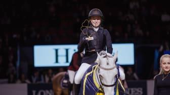 Philippa Landberg, vinnare av Sverigeponnyn 2018 under prisutdelning
