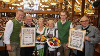 Familie Heide bei ihrem 80jährigen Wiesnjubiläum zusammen mit Toni Roiderer