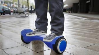 Hoverboards: Cool, aber leider nicht für den Straßenverkehr zugelassen. Foto: SIGNAL IDUNA