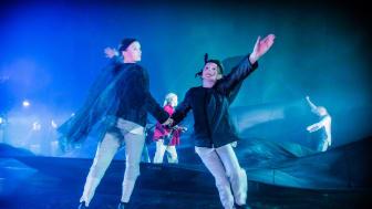 Sunneeleverna får bland annat möjlighet att gå en dramakurs med Västanå Teater tack vare bidraget från Kulturrådet till Skapande skola-projekt. Foto: Håkan Larsson