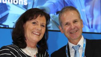 I prisutdelningen deltog Annette Schweizer-Leischner, ägare och VD för ESKA ERICH SCHWEIZER GmbH och Dr. Werner Conrad, ägare och VD för Conrad Electronic.