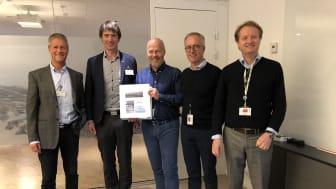 Fra signeringen av kontrakten. Fra venstre: Einar Hjetland og Stig Arne Høiland fra Nettpartner, Vidar Nymoen og Jan Petter Birkeland fra Statkraft og Eivind Torblaa fra Fosen Vind