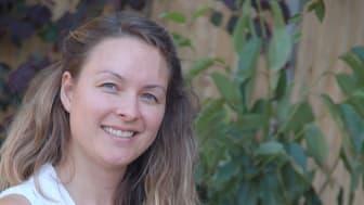 Smart Ticketing Manager Sherisse Shelton-Smith demonstrates the new technology