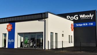 Nu på fredag 30/11 är det stor invigningsfest kl. 12-17 när PoG Woody Bygghandel slår upp portarna till sin helt nya proffsanläggning på Väla Södra och Andesitgatan 12 A i Helsingborg.