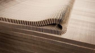 Det starka materialet har samma uppbyggnad som en bikupa.