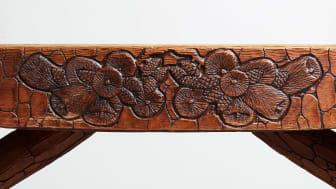 Poetiska möbler av Gustaf Fjaestad på höstens auktion Modern Art & Design