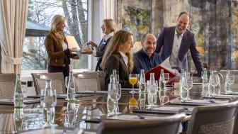 Tagen in toller Atmosphäre: Auch im Maritim Hotel Kiel wurde renoviert, die Gäste freuen sich über einen helleren frischen  Look.